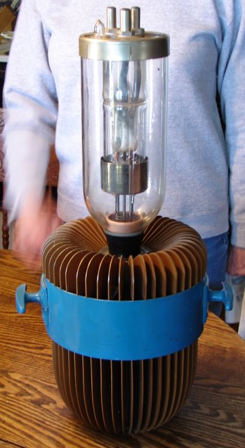 Air Cooled RCA tube - click for enlarged view (picture from eBay seller brenograph)